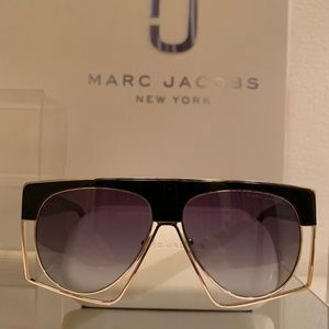 Marc Jacobs Sunglass Style 312S